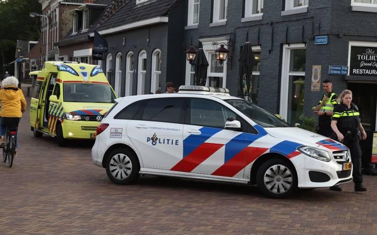 Fietser gewond na botsing met auto in Joure.