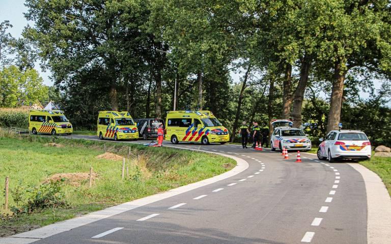 Twee personen ernstig gewond geraakt bij eenzijdig motorongeval Opeinde.