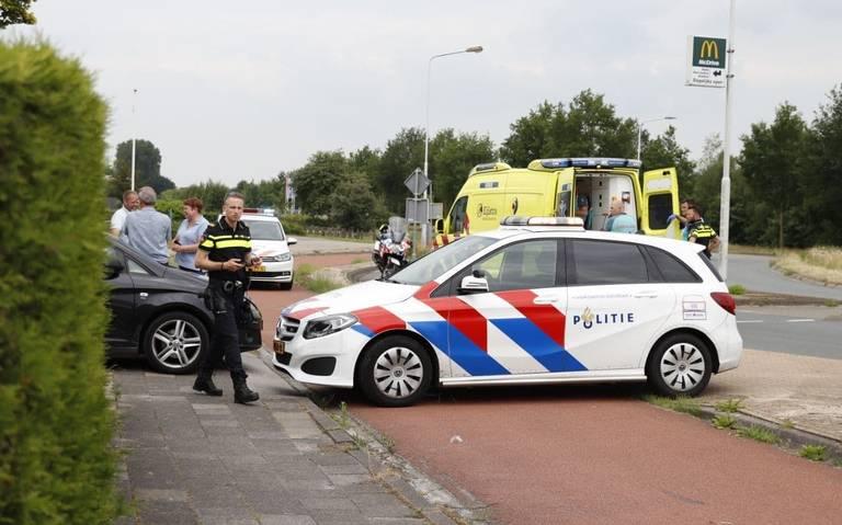 Fietser gewond bij aanrijding met auto in Heerenveen.