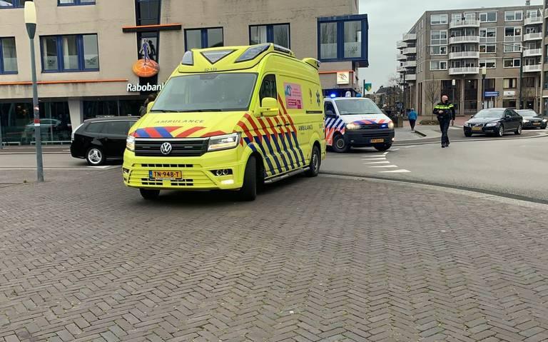 Fietsster gewond na botsing met auto in Drachten.