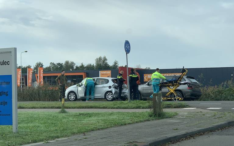 Automobilist gewond bij aanrijding in Heerenveen.