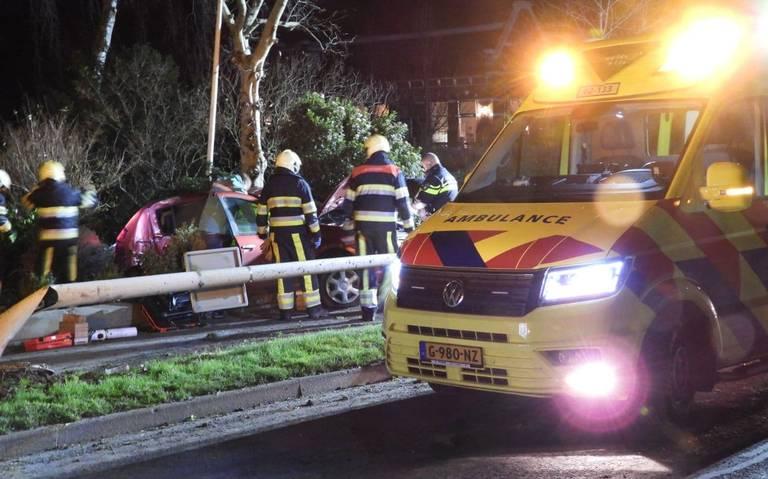 Bestuurder gewond bij eenzijdig ongeval in Sint Annaparochie.