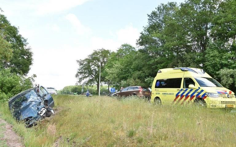 Ongeval tussen twee personenauto's op de N351.