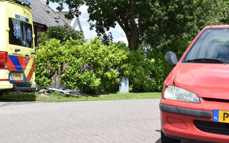 Fietsend meisje aangereden door auto bij Broeksterwâld.