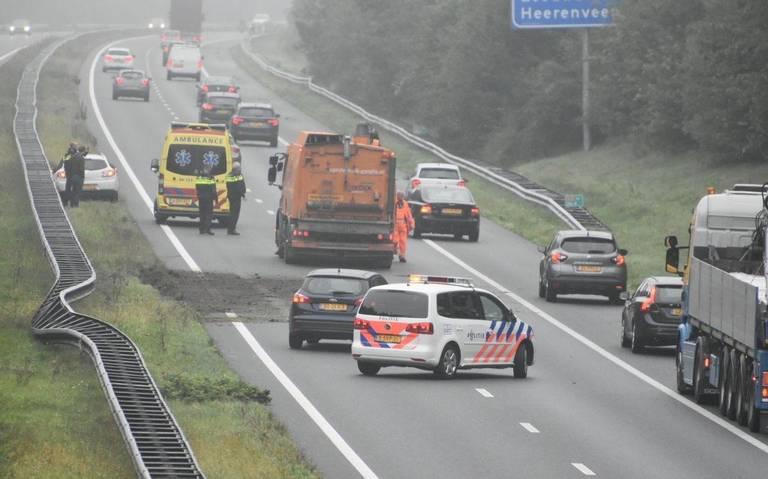 Aanrijding op A32 bij Steenwijk richting Heerenveen: weg is dicht.