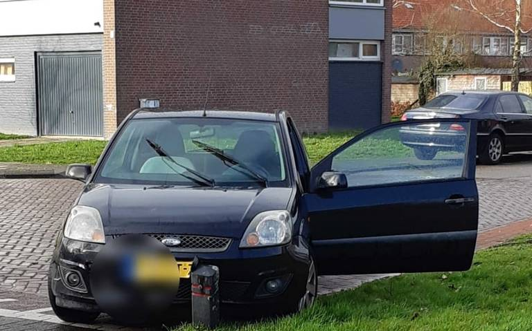 Dronken automobiliste vlucht na veroorzaken ongeval in Sneek.