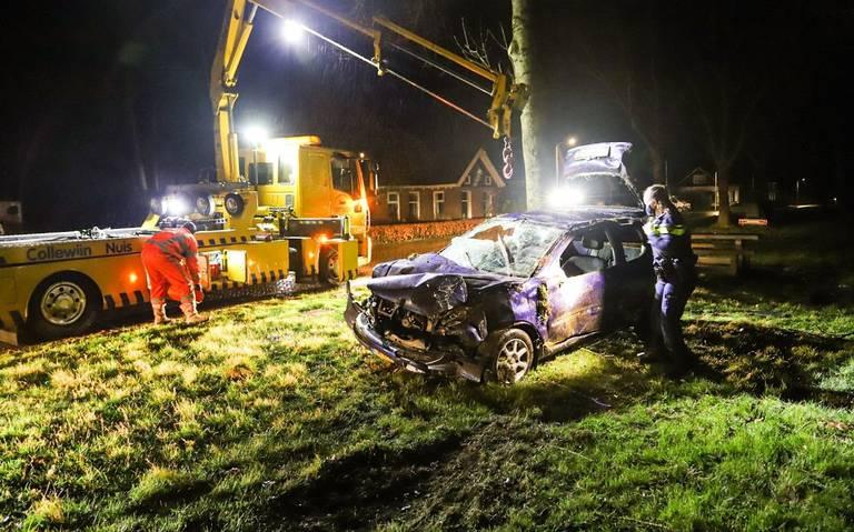 Bestuurder verlaat plek ongeval, maar wordt later aangehouden in Surhuisterveen.
