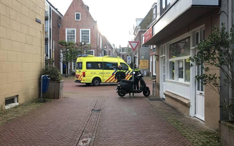 Fietsster gewond bij botsing met auto in Leeuwarden.