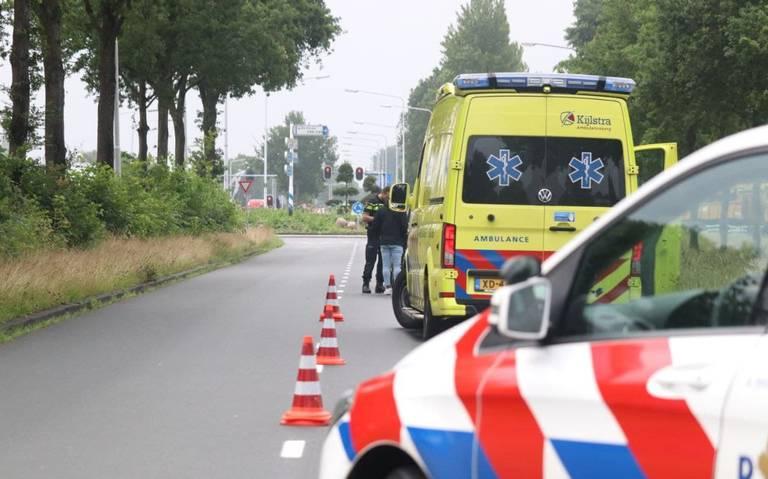 Kop-staartbotsing tussen drie autos in Drachten.
