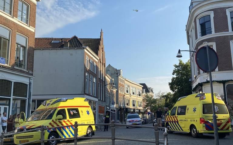 Fietser gewond bij aanrijding in centrum Leeuwarden.