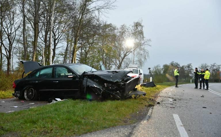 Bestuurder zwaargewond bij ongeval op Polderweg bij Oosterwolde.