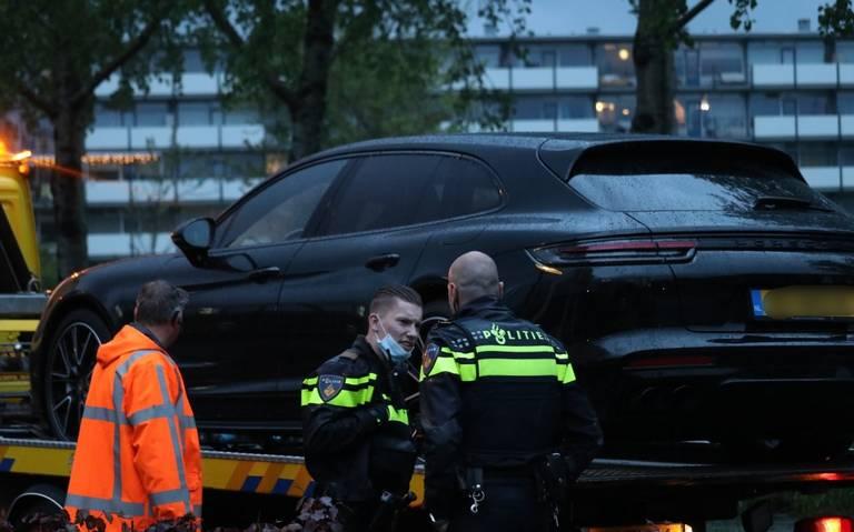 Porsche Panamera in beslag genomen: bestuurder zonder geldig rijbewijs reed door na aanrijding in Drachten.