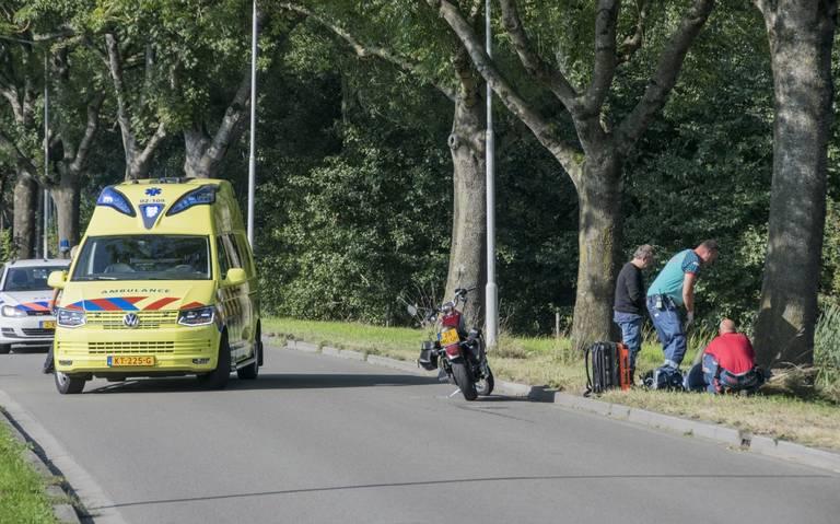 Vrouw gewond bij aanrijding met auto in Buitenpost.