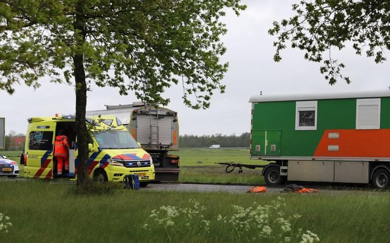 Wegwerker raakt gewond bij ongeval bij Garyp.
