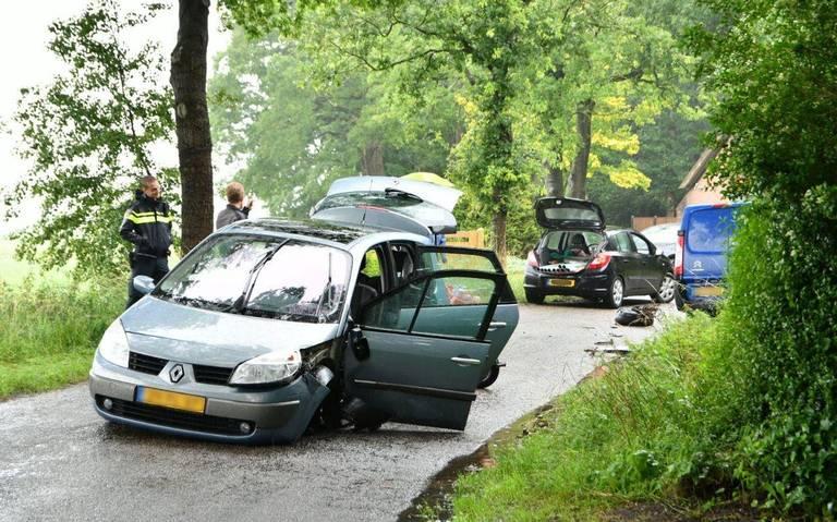 Flinke schade bij botsing bij Oosterwolde.