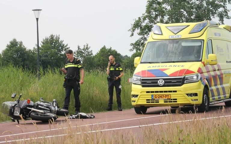 Motorrijder raakt gewond bij botsing Damwâld.