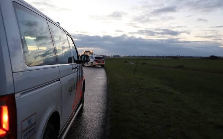 Bestuurder overlijdt bij eenzijdig ongeval in Burgum.