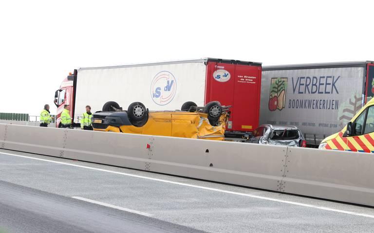 Ketelbrug richting Lelystad dicht door ernstig ongeval.