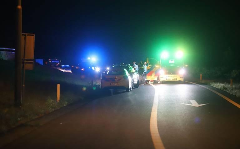 Automobilist ernstig gewond bij ongeval op A32 bij Heerenveen.
