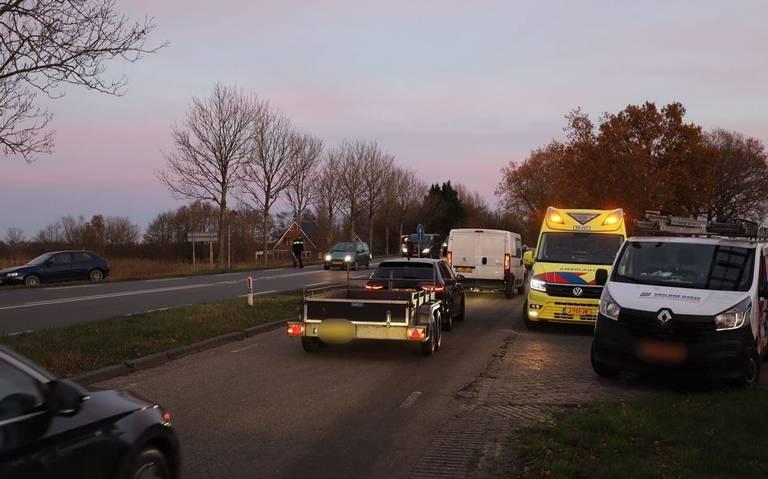 Meerdere autos beschadigd bij kop-staartbotsing op N355 bij Noardburgum.