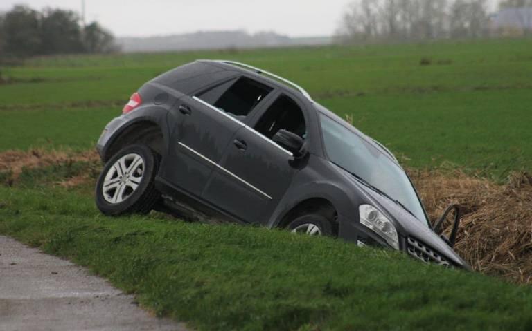 Bestuurder gewond bij eenzijdig ongeval in Oosternijkerk.