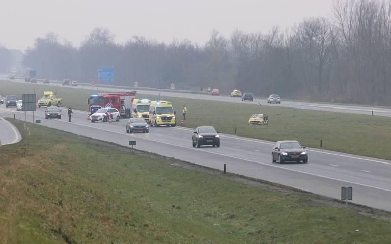 Twee ongevallen op spekgladde A6 richting Friesland.
